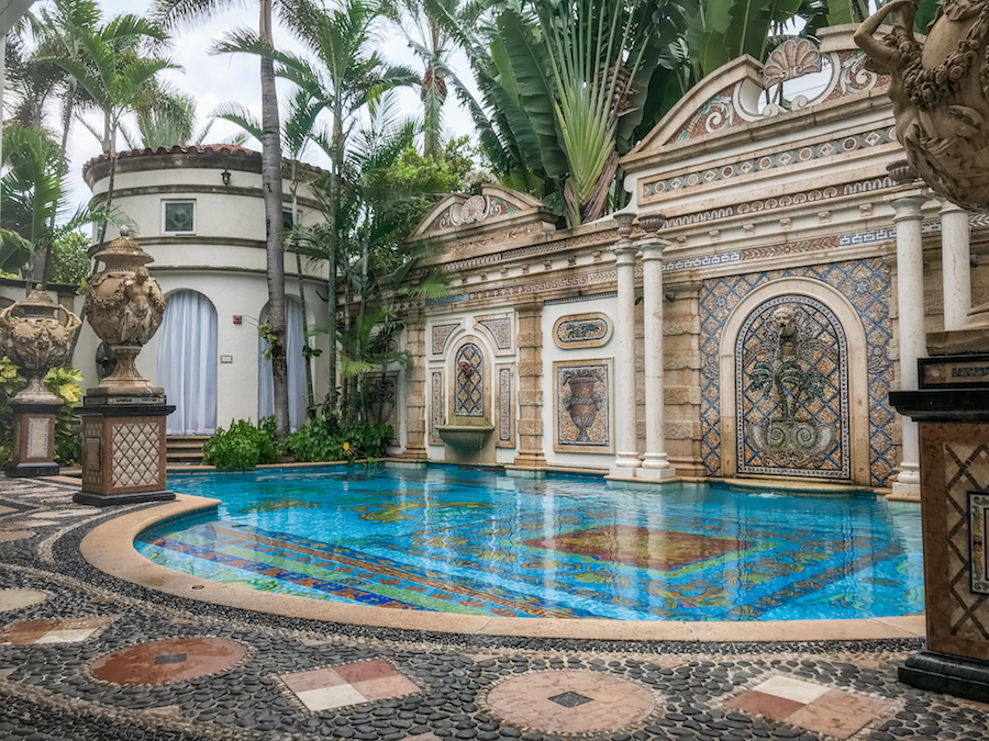 Staying At The Versace Mansion In Miami Jetset Jansen